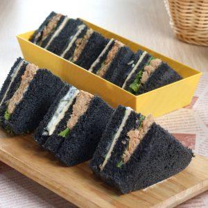 BB00146Charcoal Tuna Sandwich